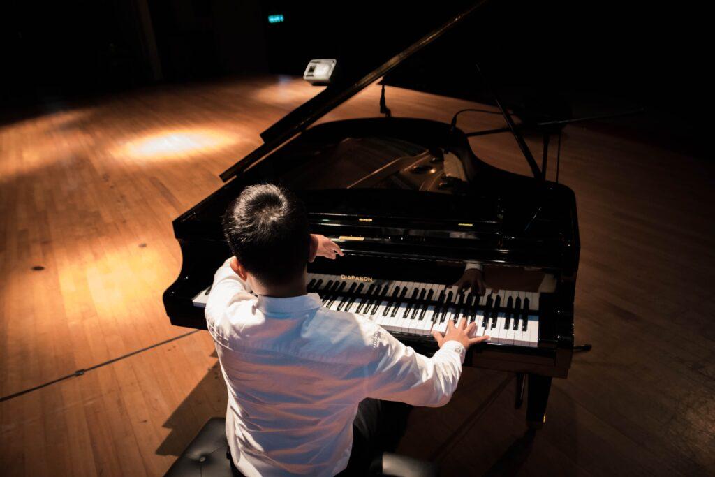 ピアノを弾く時に、緊張してうまく弾けない!演奏をする時の「あがり症」とうまく付き合っていく方法!
