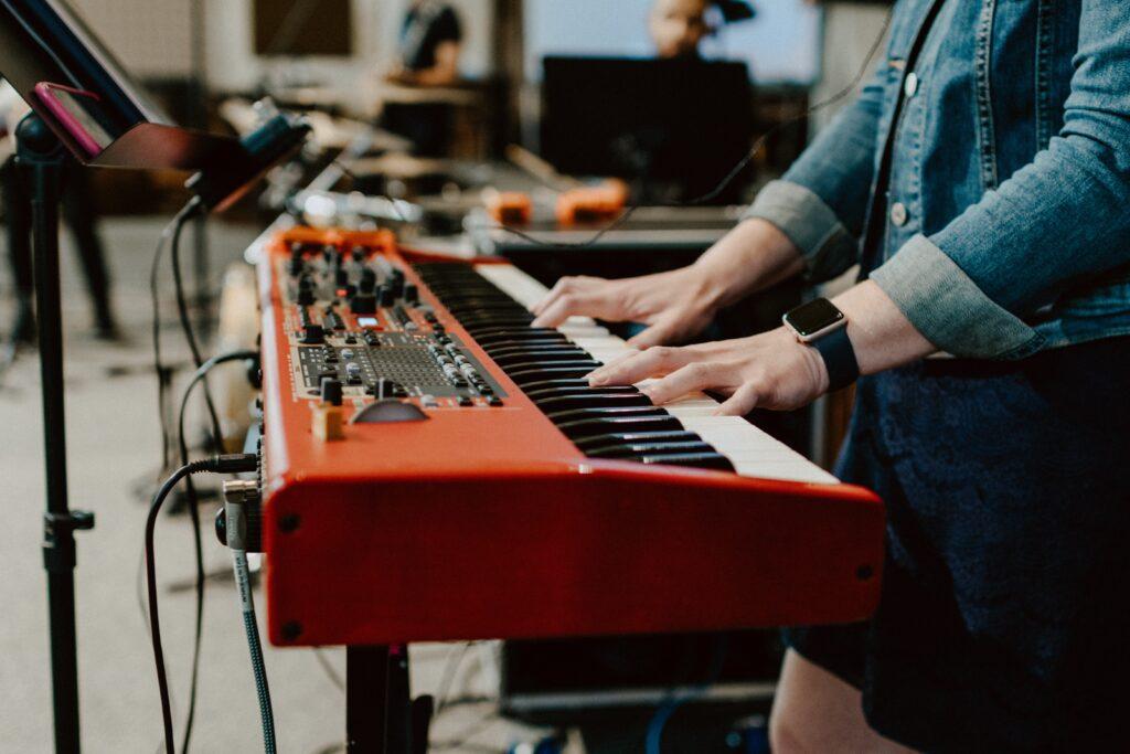 ピアノ初心者が独学で弾けるには、どれくらいの時間どんな練習をすれば良いか