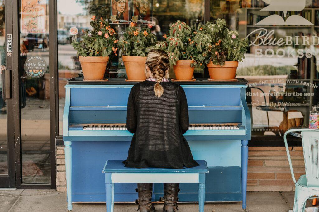 大人が趣味でピアノを始めるきっかけは?ピアノの魅力に取り憑かれるタイミングとは!